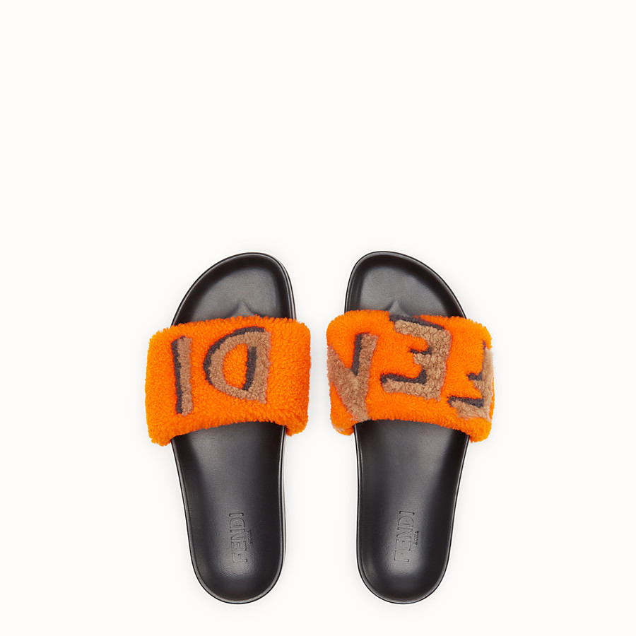 FENDI FLAT SANDALS - Slides in leather and orange sheepskin - view 4 detail