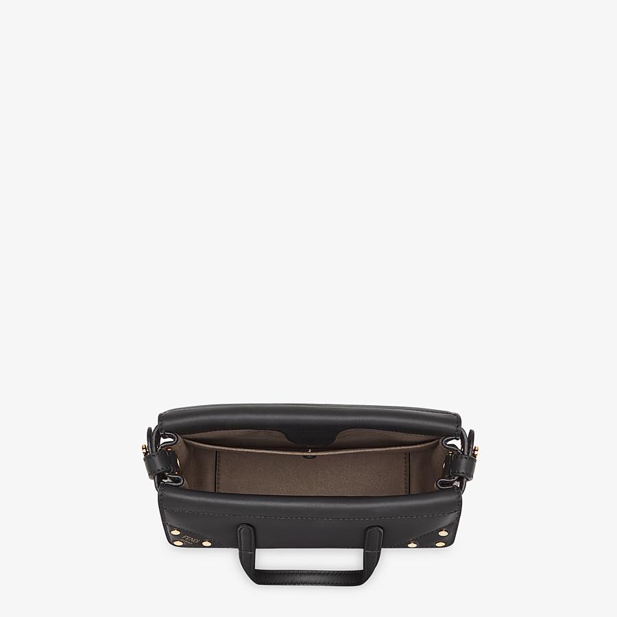 FENDI FENDI FLIP KLEIN - Tasche aus Leder in Schwarz - view 6 detail
