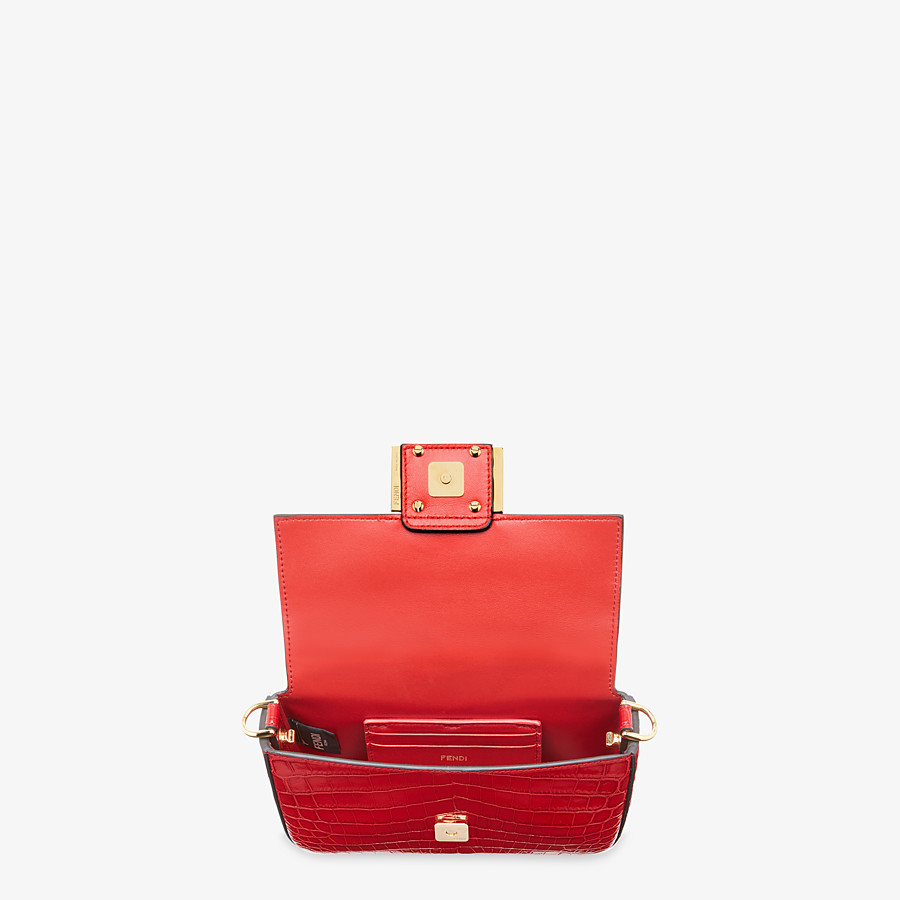 FENDI BAGUETTE - Red crocodile leather bag - view 4 detail