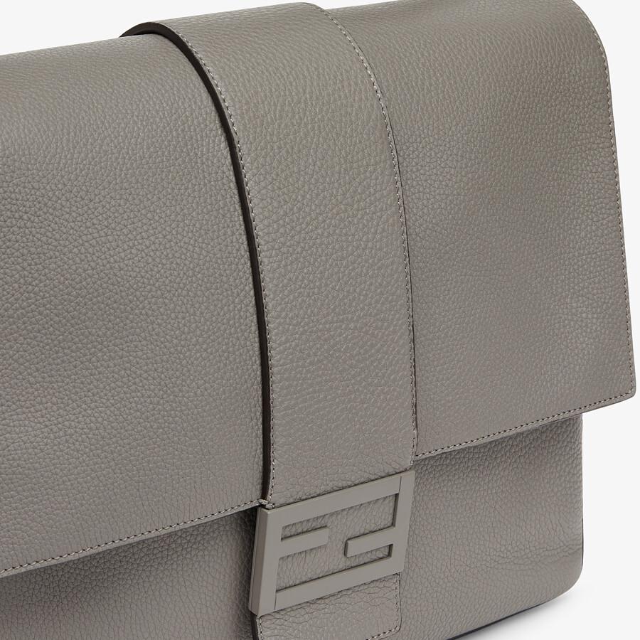 FENDI BAGUETTE MESSENGER BAG LARGE - Light gray leather bag - view 5 detail