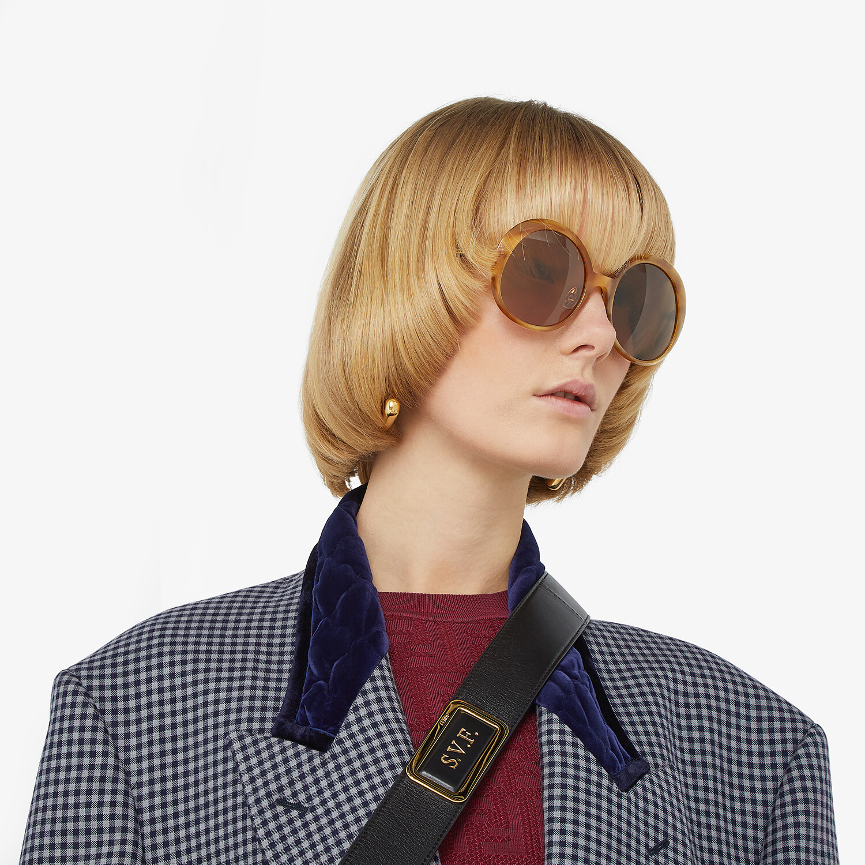 FENDI PROMENEYE - Brown sunglasses - view 4 detail