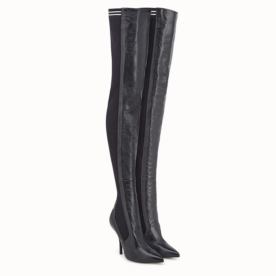 a861c34fa80875 Cuissardes en cuir noir - BOTTES | Fendi