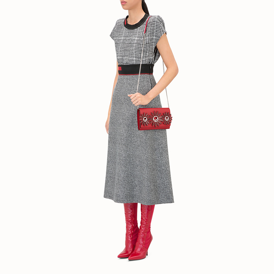 FENDI 標誌裝飾鏈帶皮夾 - 紅色奇珍皮革迷你手袋 - view 5 detail