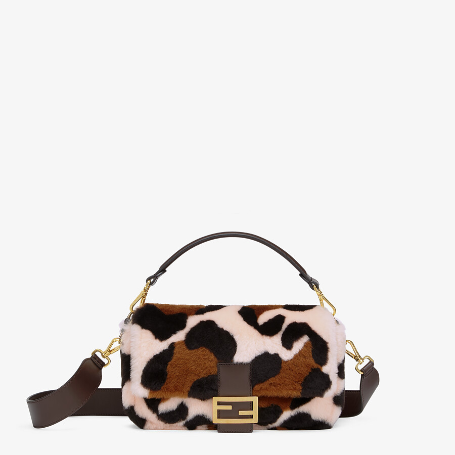 FENDI BAGUETTE - Pink sheepskin bag - view 1 detail