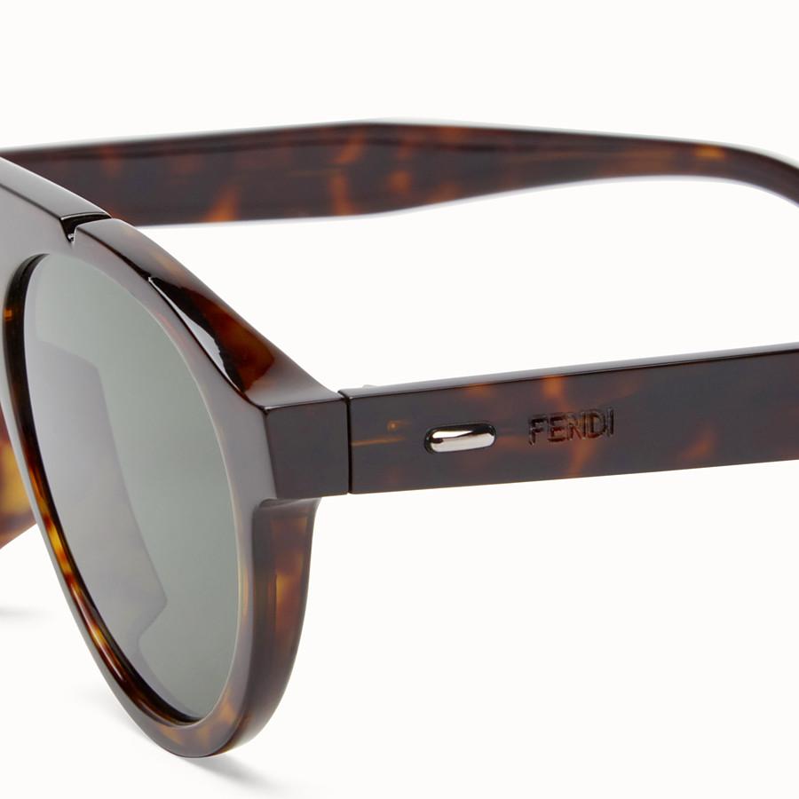 FENDI FENDI ANGLE - 琥珀色太陽眼鏡 - view 3 detail