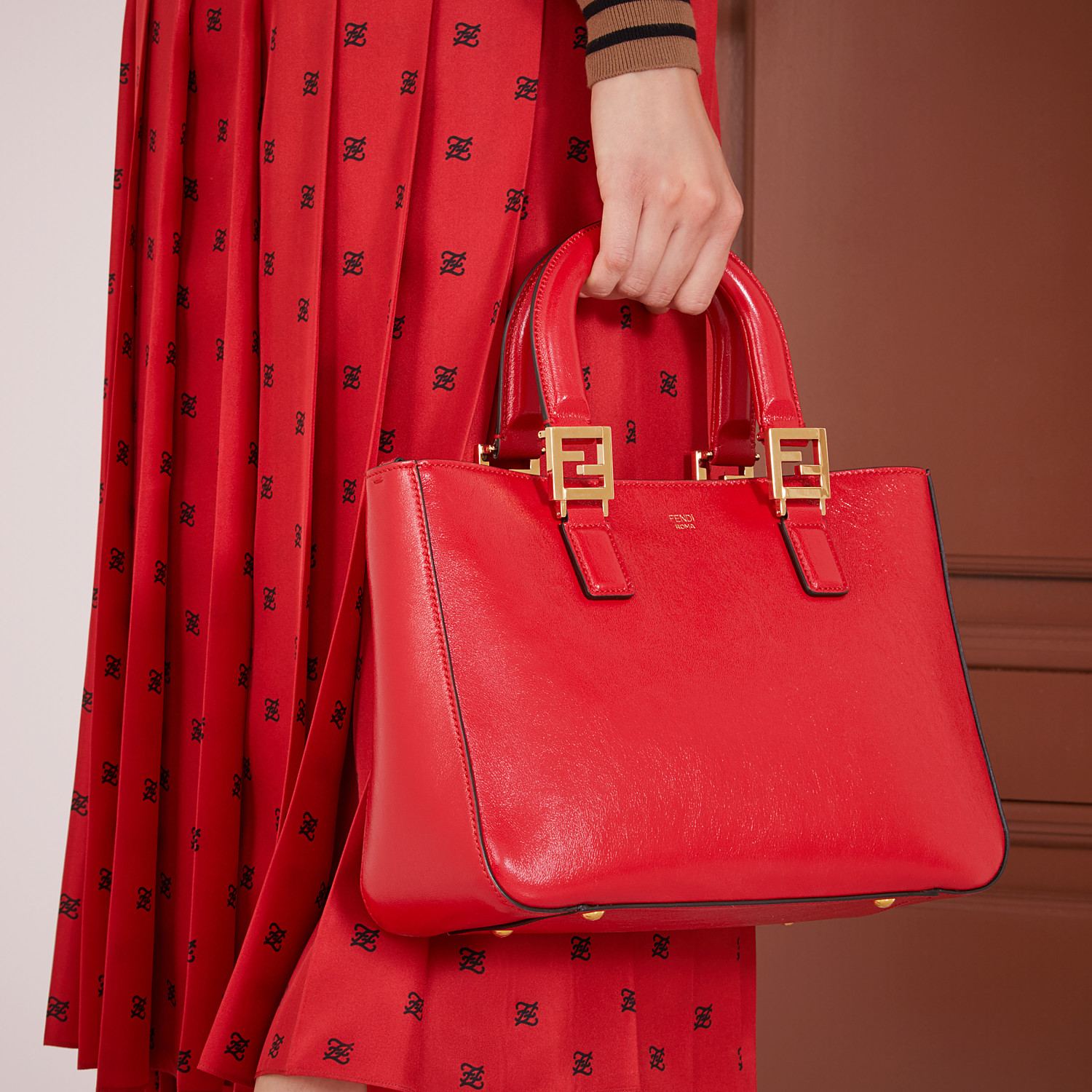 FENDI FF TOTE SMALL - Red leather bag - view 2 detail