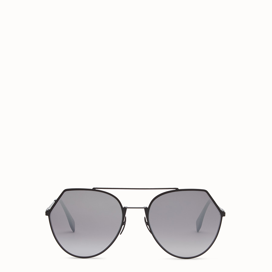 FENDI EYELINE - Black sunglasses. - view 1 detail