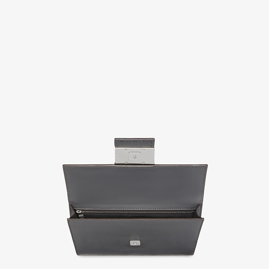 FENDI FLAT BAGUETTE - Gray leather bag - view 4 detail