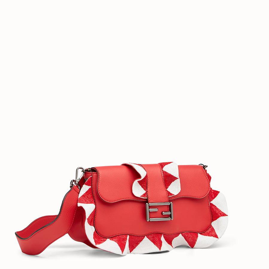 FENDI BAGUETTE - Red leather shoulder bag - view 2 detail