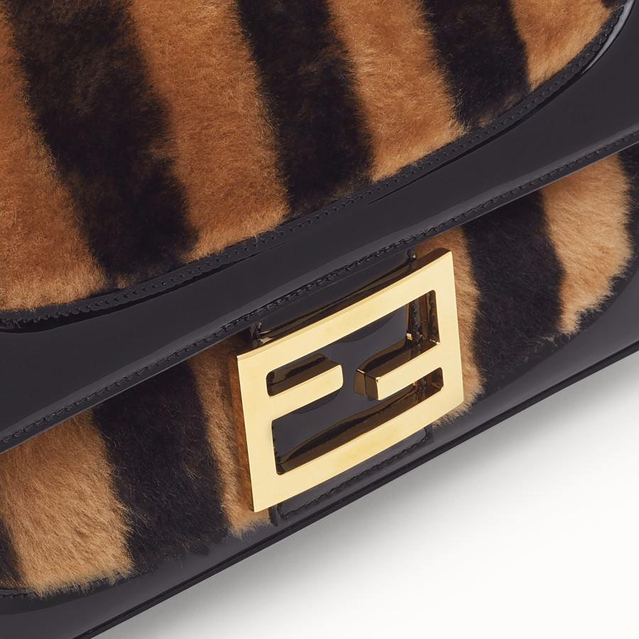 FENDI BAGUETTE LARGE - Multicolor, patent leather and sheepskin bag - view 6 detail