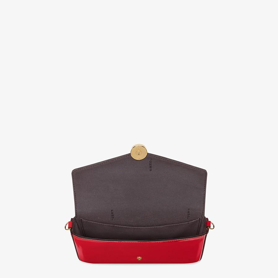 FENDI WALLET ON CHAIN MIT POUCHES - Mini-Tasche aus Lackleder in Rot - view 5 detail