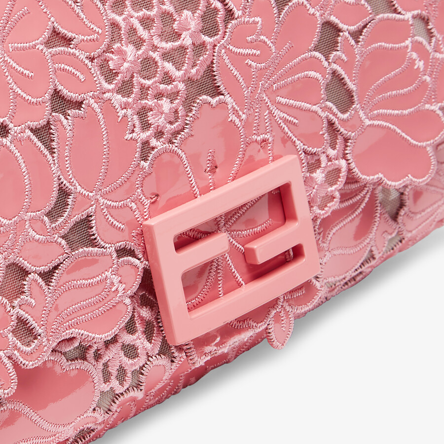 FENDI BAGUETTE - Embroidered pink patent leather bag - view 5 detail