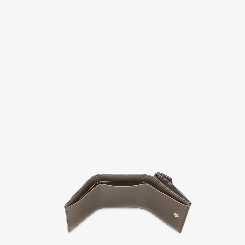 FENDI MICRO TRIFOLD - Portemonnaie aus Leder in Grün - view 4 detail