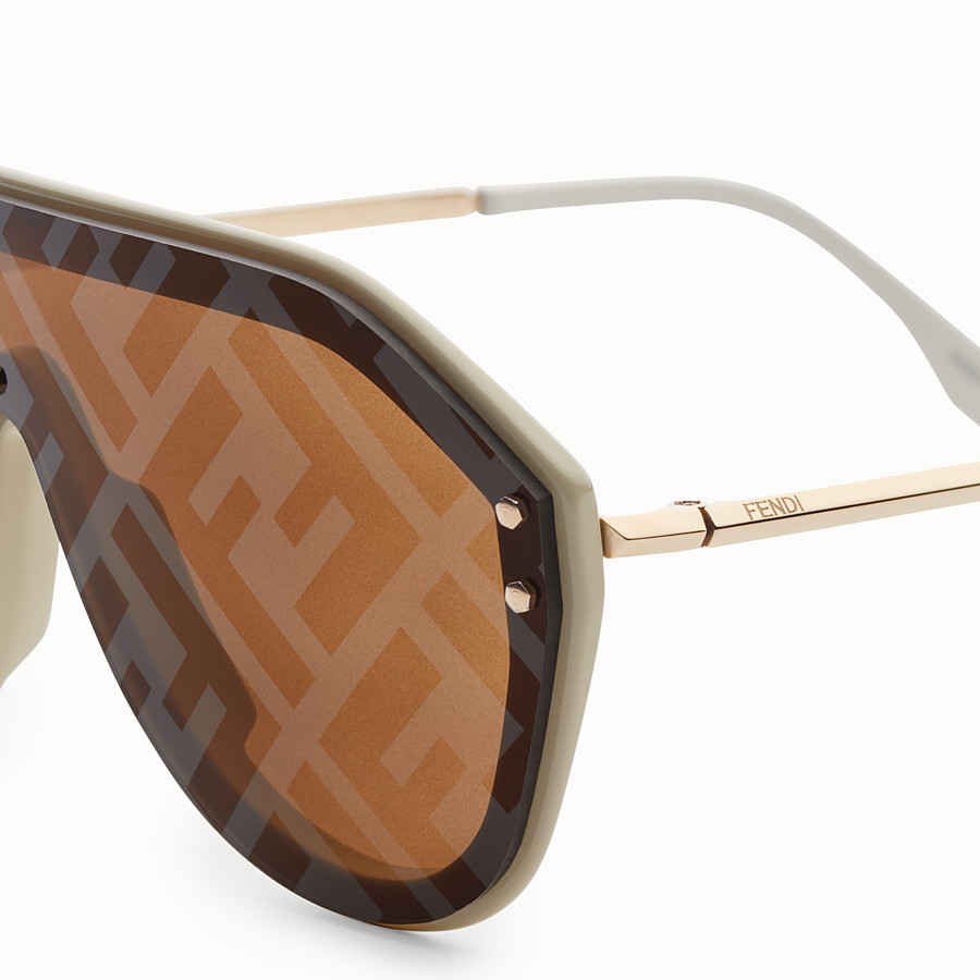 FENDI FENDI FABULOUS - Beige sunglasses - view 3 detail