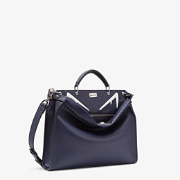 FENDI PEEKABOO ICONIC FIT - Tasche aus Leder in Blau - view 2 thumbnail
