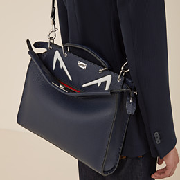 FENDI PEEKABOO ICONIC FIT - Tasche aus Leder in Blau - view 5 thumbnail