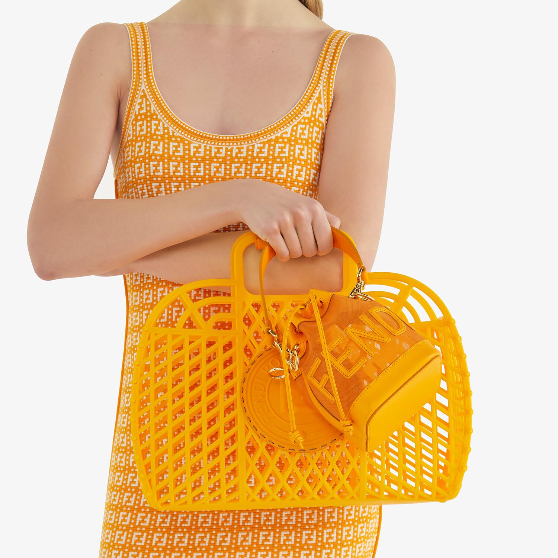 FENDI FENDI BASKET MEDIUM - Minibag in plastica riciclata arancione - vista 2 dettaglio
