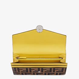 FENDI LANGES PORTEMONNAIE - Portemonnaie aus Leder in Gelb - view 3 thumbnail