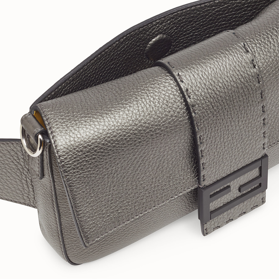 FENDI BAGUETTE - Gray leather bag - view 6 detail
