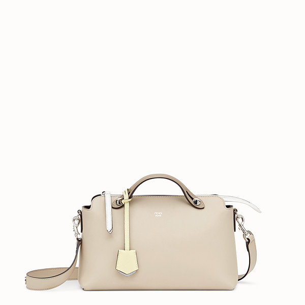 FENDI BY THE WAY REGULAR - Bauletto in pelle beige - vista 1 thumbnail piccola