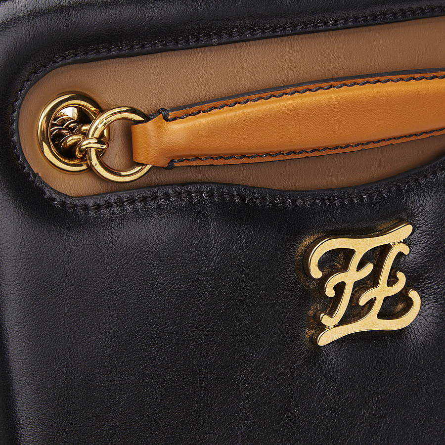 FENDI KARLIGRAPHY POCKET - Tasche aus Leder in Schwarz - view 6 detail