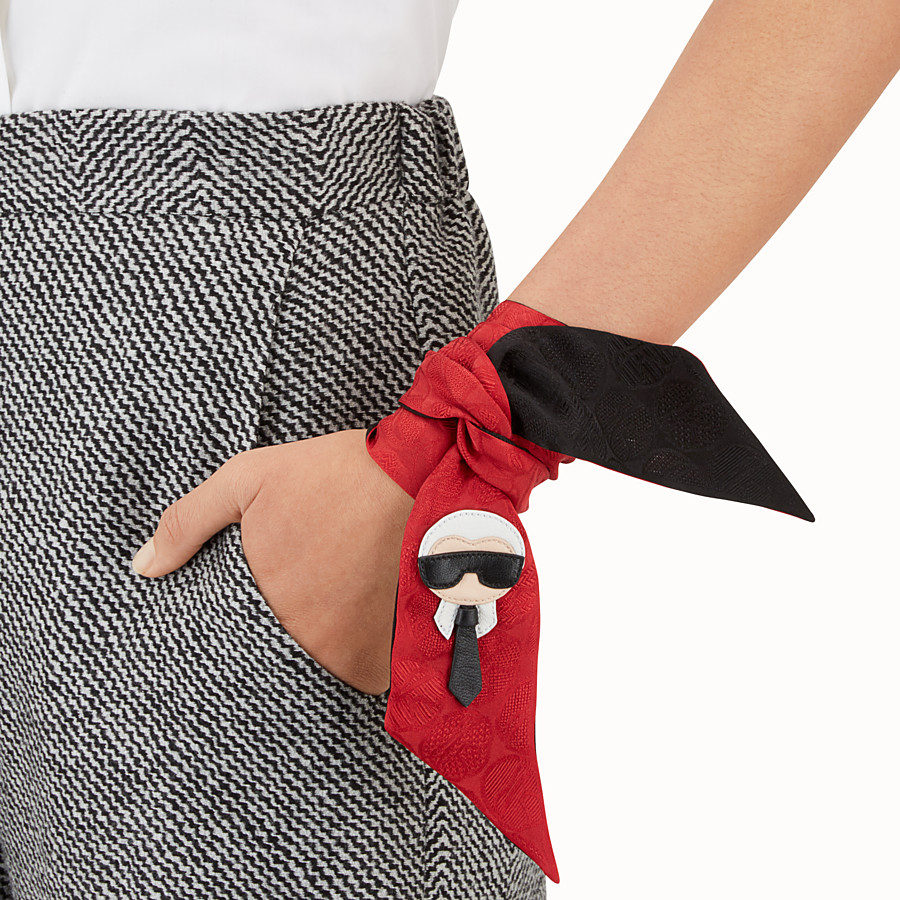FENDI KARLITO WRAPPY - Black and red silk bandeau - view 3 detail