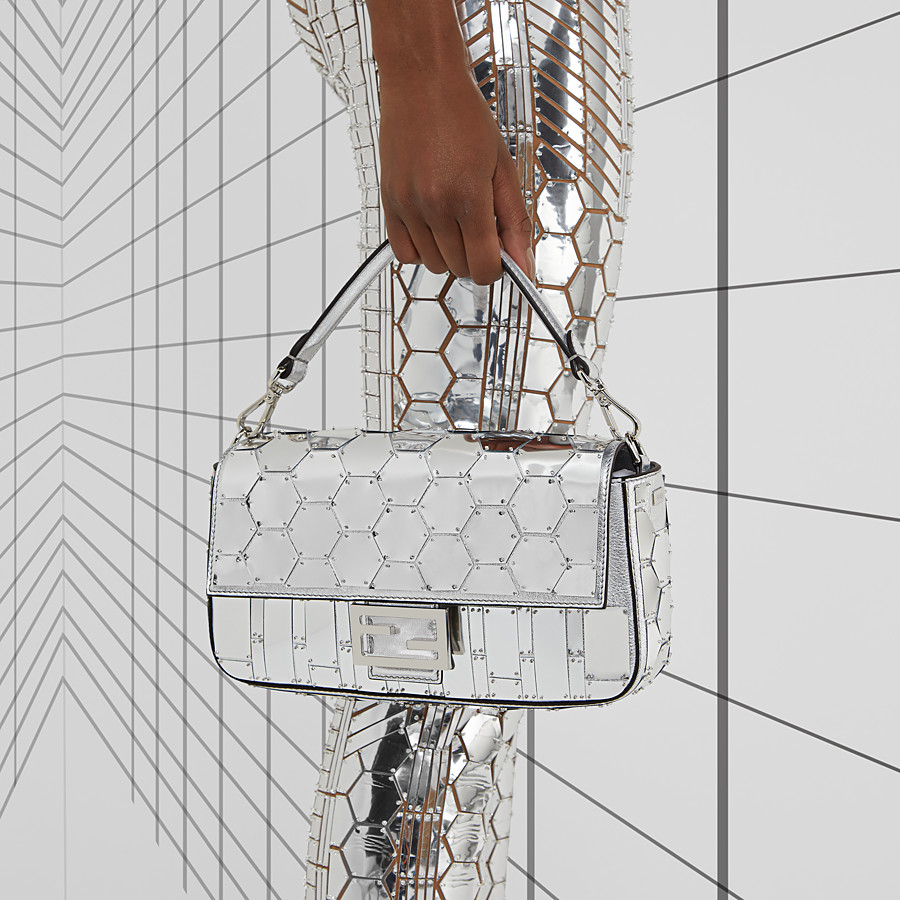 FENDI BAGUETTE - Fendi Prints On leather bag - view 2 detail