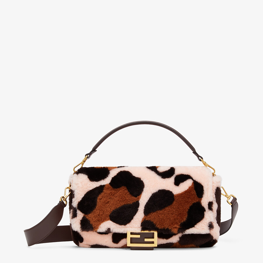 FENDI LARGE BAGUETTE - Bag in pink inlaid sheepskin - view 1 detail