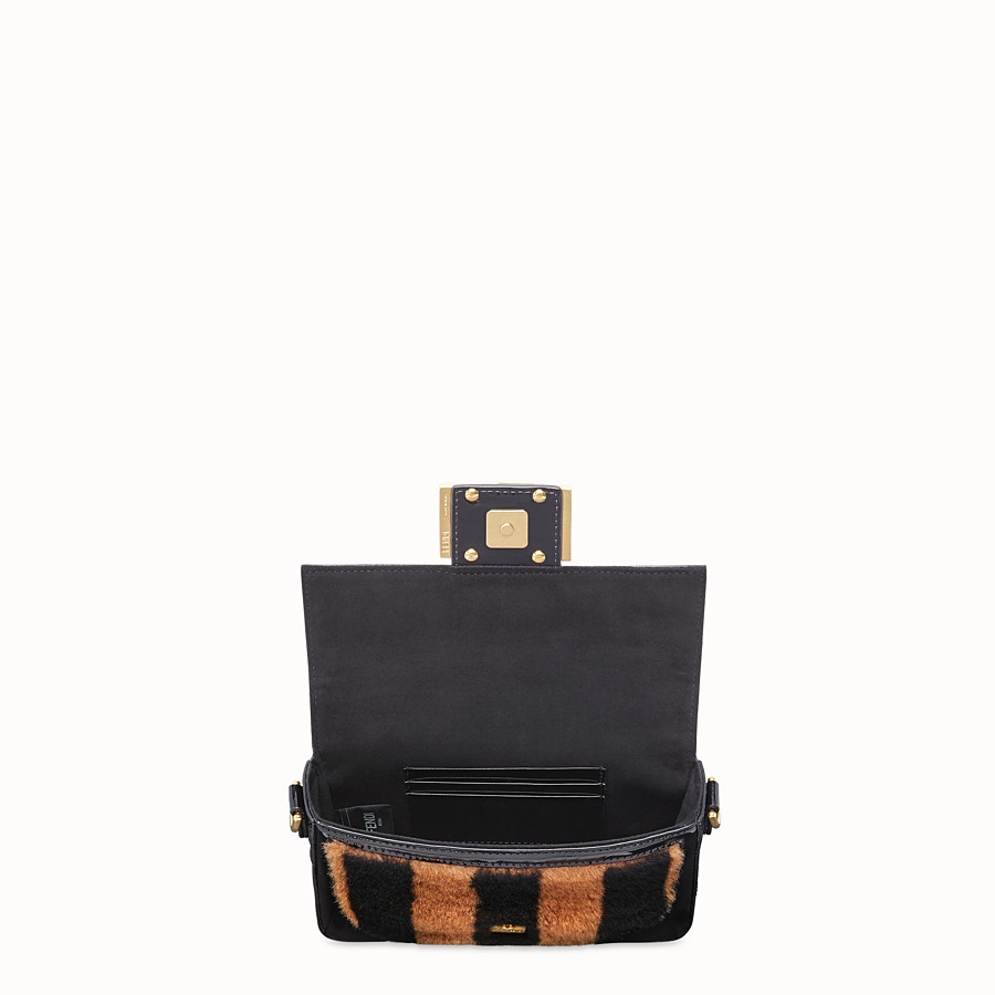 FENDI BAGUETTE MINI - Minibag in montone e vinile multicolor - vista 5 dettaglio