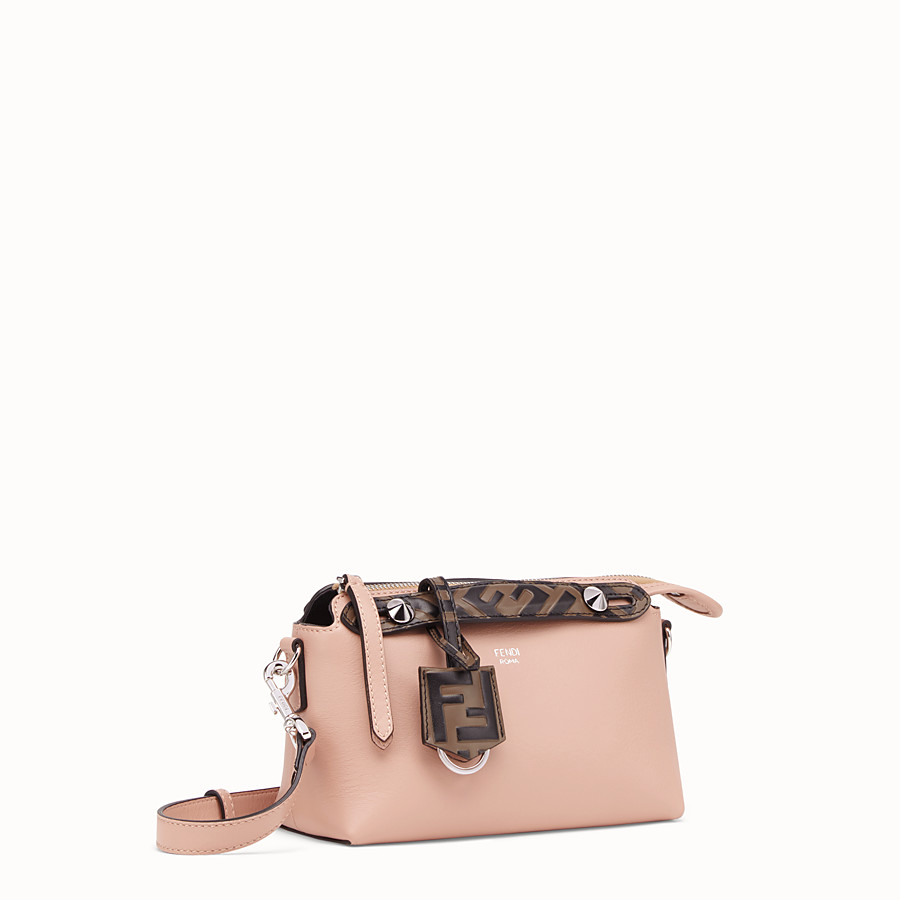 FENDI BY THE WAY MINI - Kleine Boston Bag aus Leder in Rosa - view 3 detail