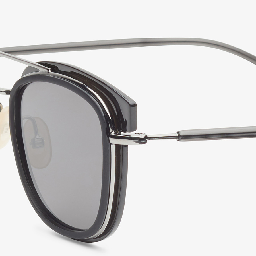 FENDI FENDI GLASS - Sonnenbrille in Grau und dunklem Ruthenium - view 3 detail