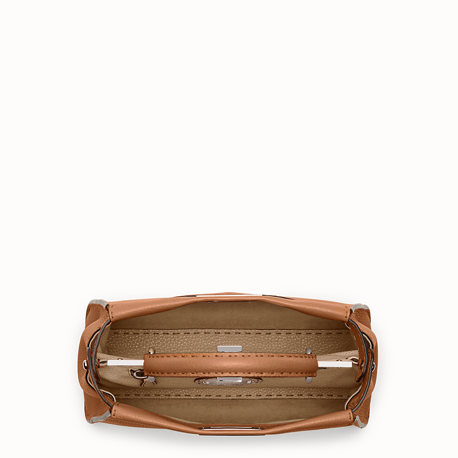FENDI PEEKABOO REGULAR - bolso de mano de piel de color toffee - view 4 detail