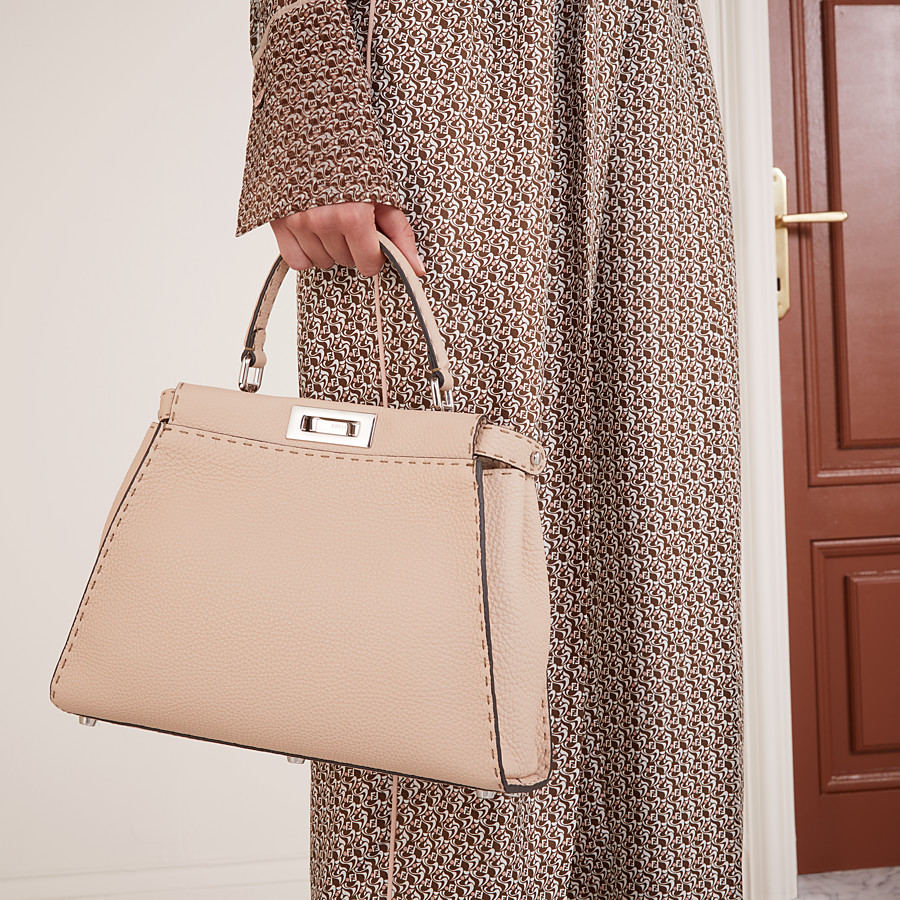 FENDI PEEKABOO ICONIC MEDIUM - Beige leather bag - view 2 detail