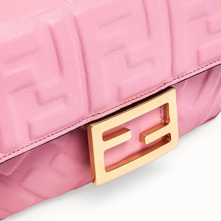 FENDI BAGUETTE - Borsa in nappa rosa - vista 6 dettaglio