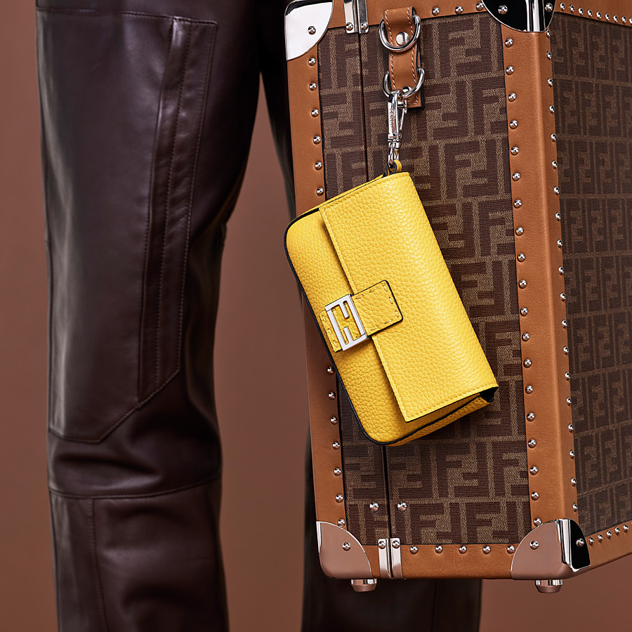FENDI MICRO BAGUETTE - Yellow leather micro-bag - view 4 detail