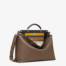 FENDI PEEKABOO ICONIC ESSENTIAL - Brown leather bag - view 3 thumbnail