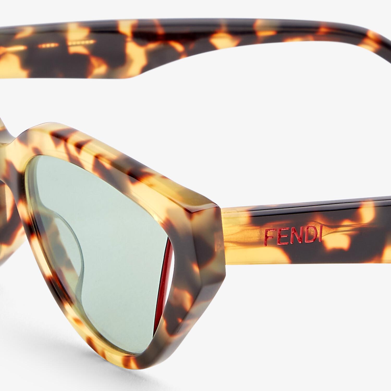 FENDI FENDI WAY - Fashion Show sunglasses - view 3 detail