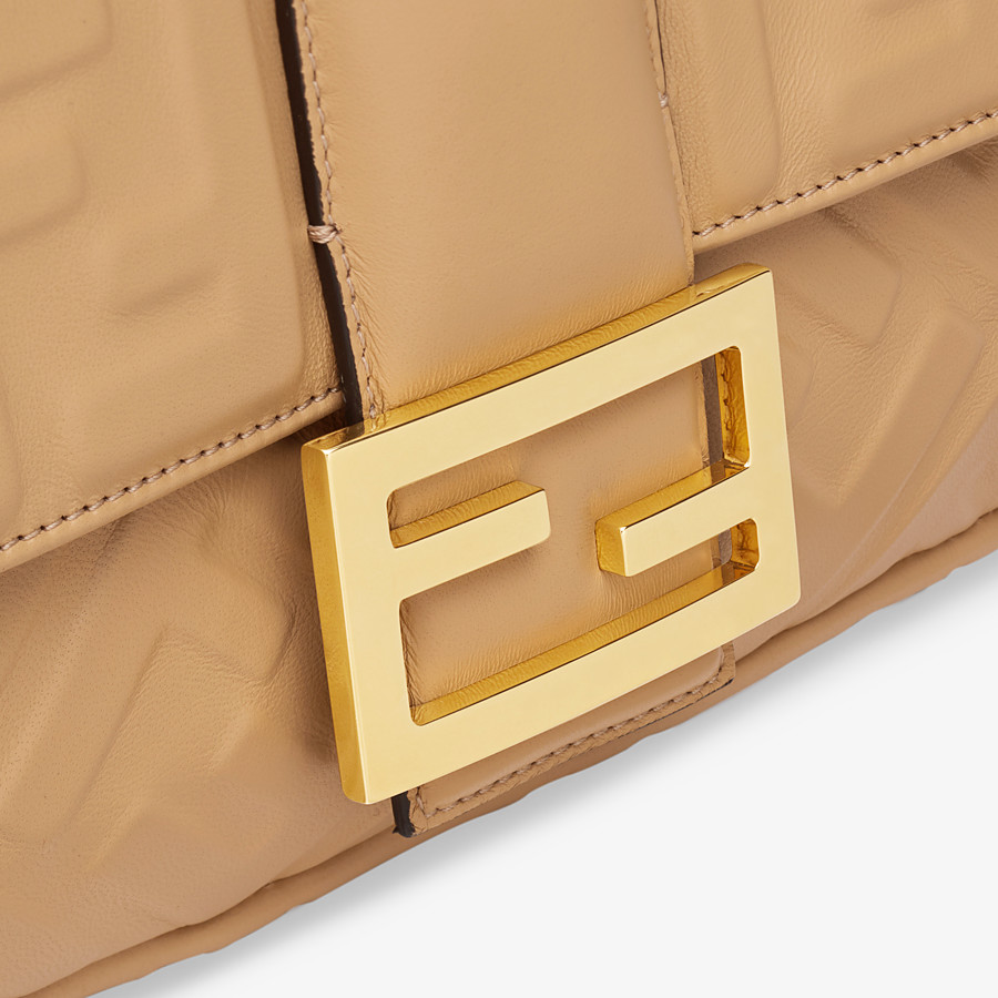FENDI BAGUETTE LARGE - Beige leather bag - view 6 detail