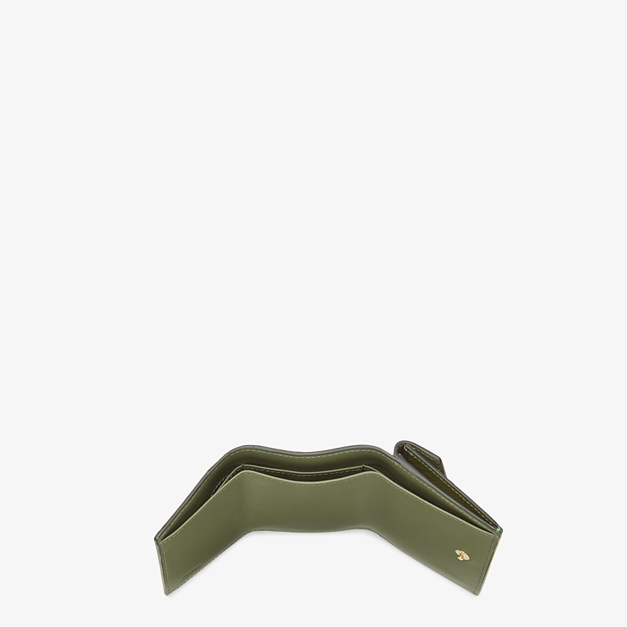 FENDI MICRO TRIFOLD - Wallet in green ostrich leather - view 4 detail
