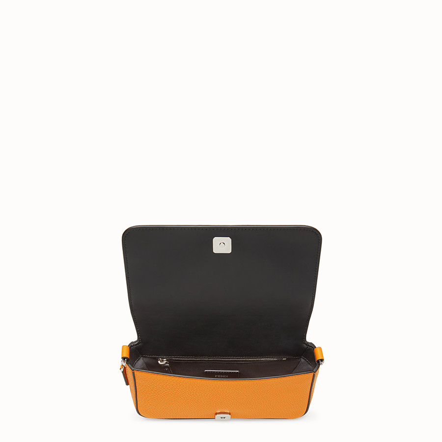 FENDI FLAP BAG - Borsa in pelle arancione - vista 5 dettaglio