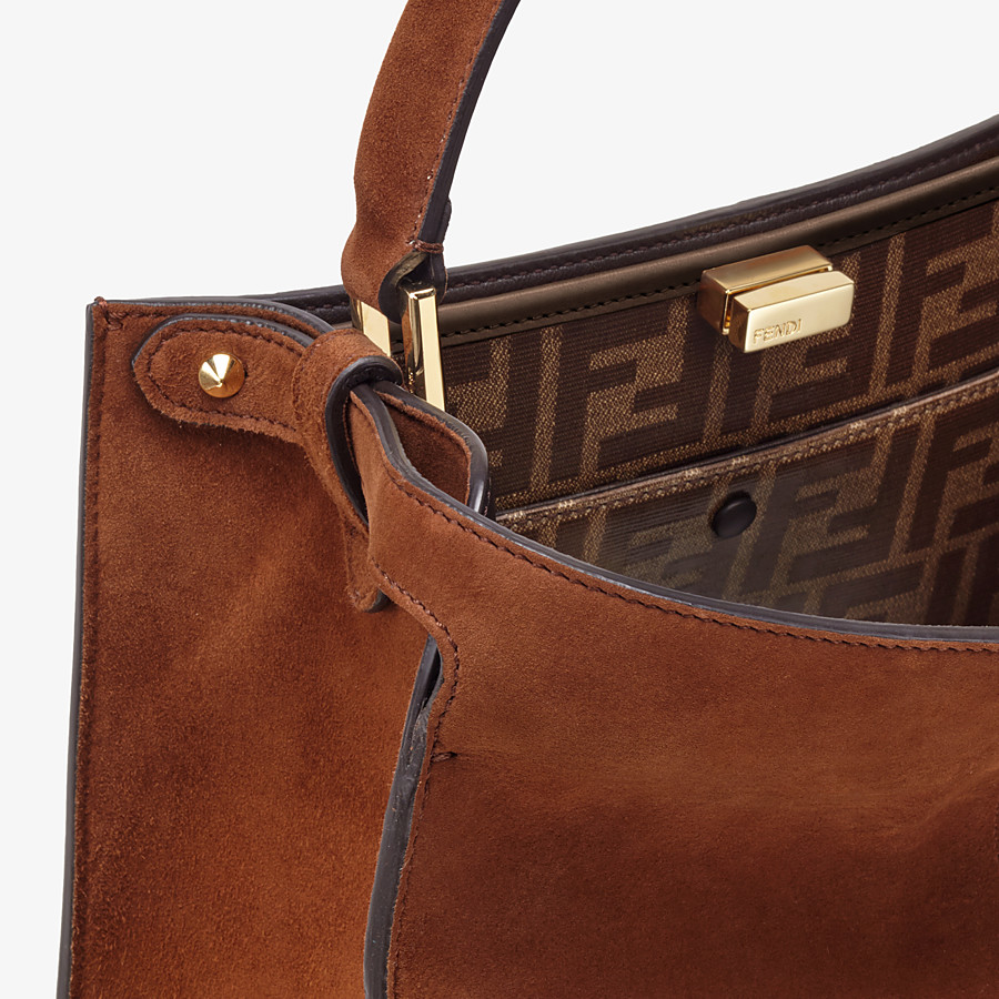 FENDI PEEKABOO X-LITE MEDIUM - Borsa in suede marrone - vista 7 dettaglio