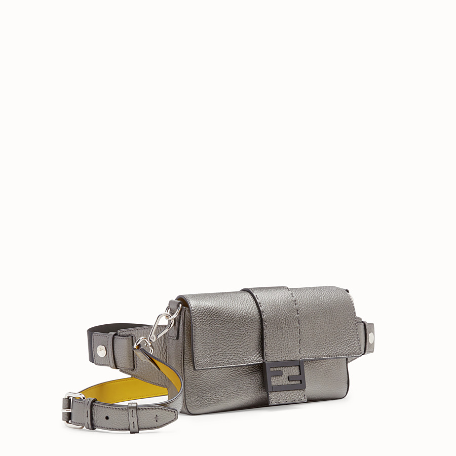 FENDI BAGUETTE - Gray leather bag - view 2 detail