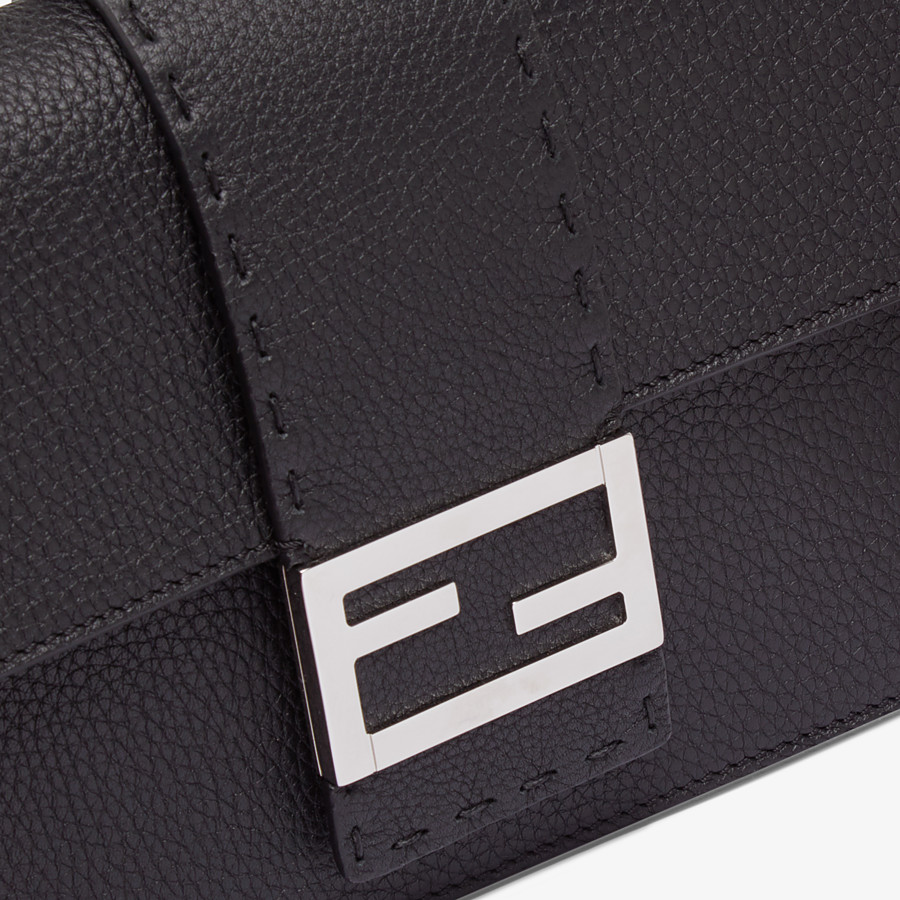 FENDI STANDING CLUTCH - Black calf leather pochette - view 4 detail