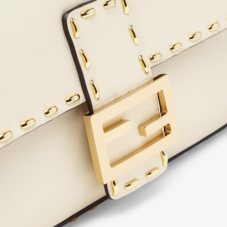 FENDI BAGUETTE - Tasche aus Leder in Weiß - view 6 detail