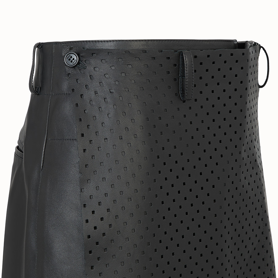 FENDI TROUSERS - Black leather bermudas - view 3 detail