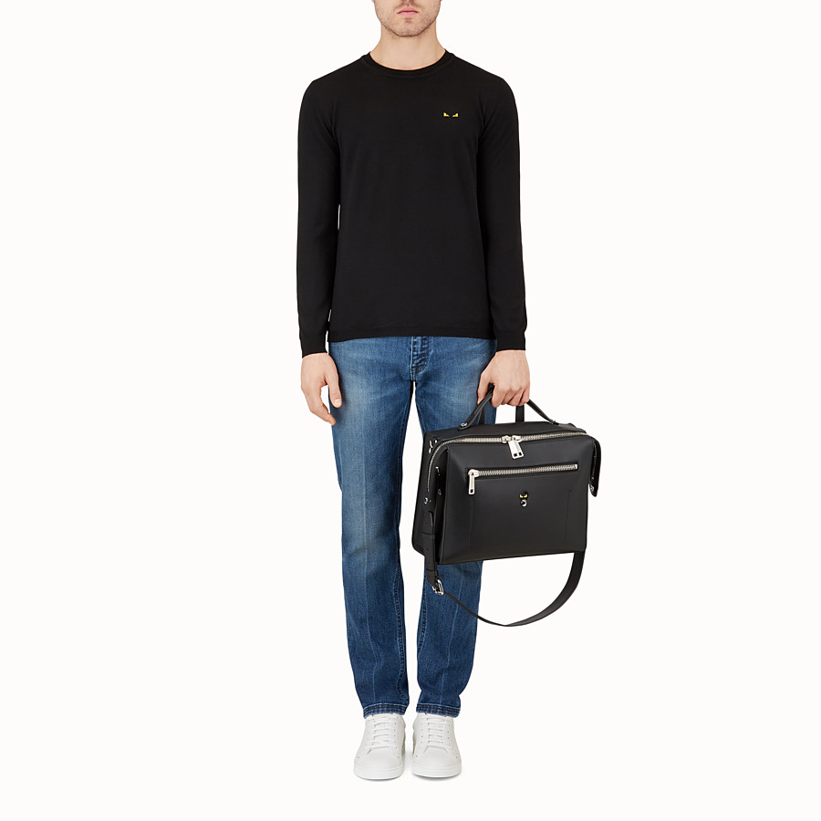 FENDI MESSENGER - Black leather shoulder bag - view 5 detail