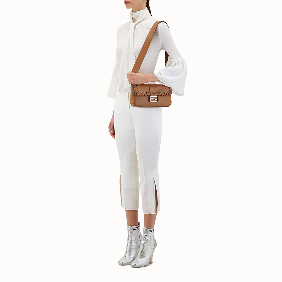 FENDI BAGUETTE - Cocoa leather shoulder bag - view 5 detail