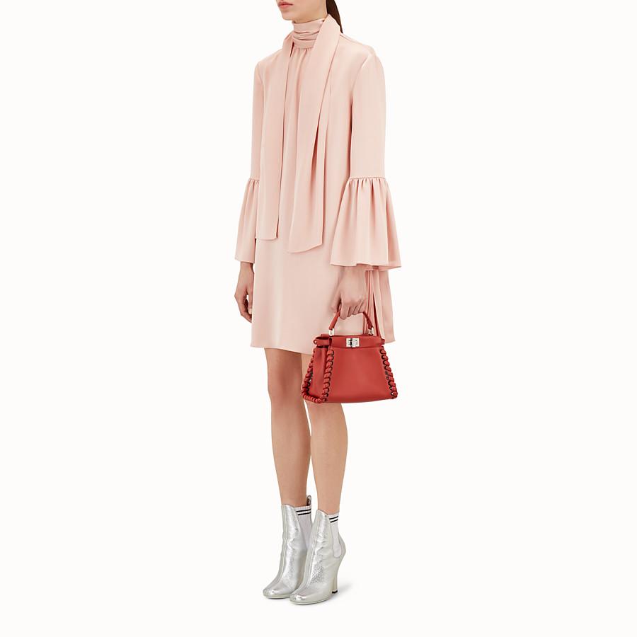 FENDI 迷你款式 PEEKABOO - 紅色軟皮手提包,裝飾編織皮條。 - view 5 detail