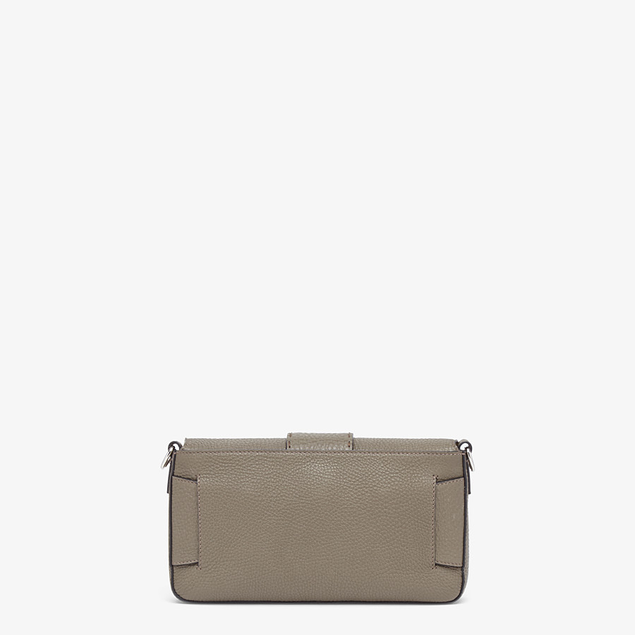 FENDI BAGUETTE - Green leather bag - view 4 detail