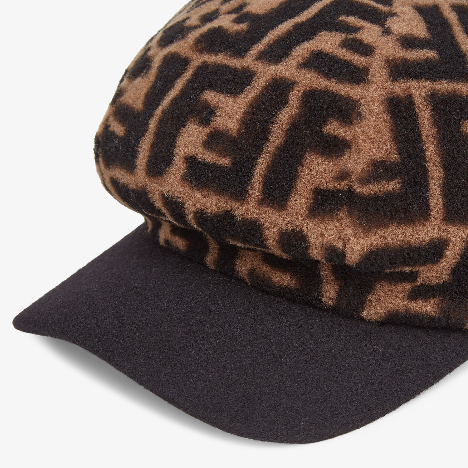 FENDI HAT - Baseball cap in brown shearling - view 2 detail